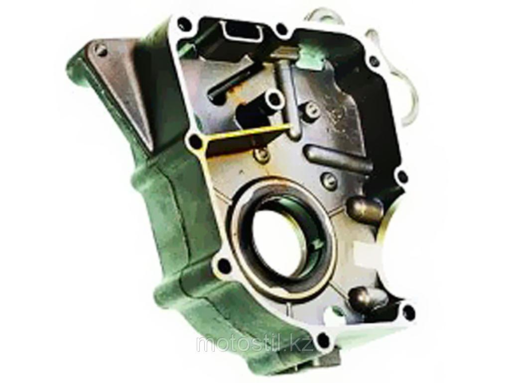Правая половина картера /двигатель 4T 139QMB