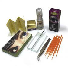 Клей и средства для снятия ресниц
