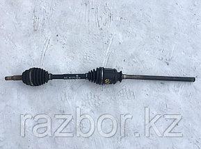 Привод в сборе передний правый Toyota RAV4 (ACA21)