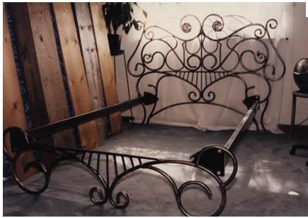 Кованая мебель Кровати Скамейки