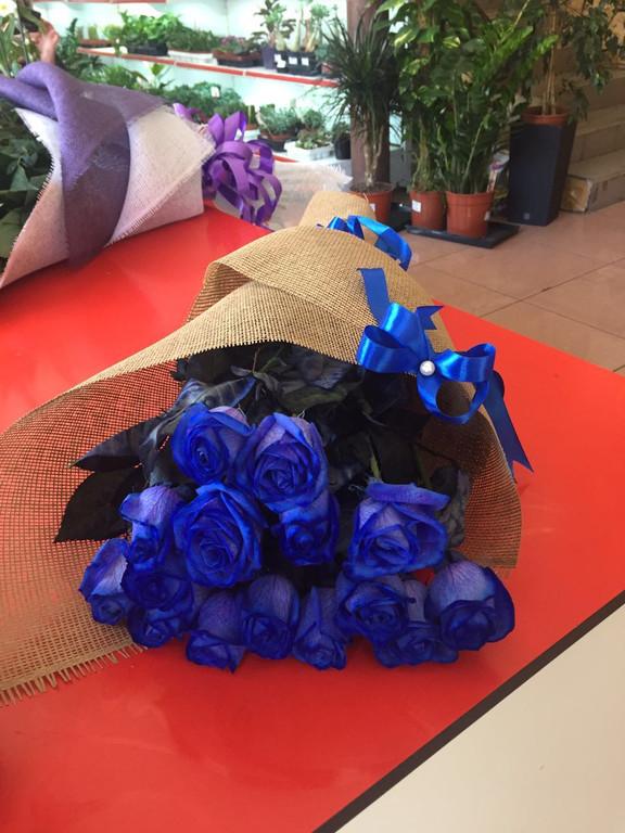 Неповторимые! Синие,радужные,бело-голубые розы только в нашем магазине!