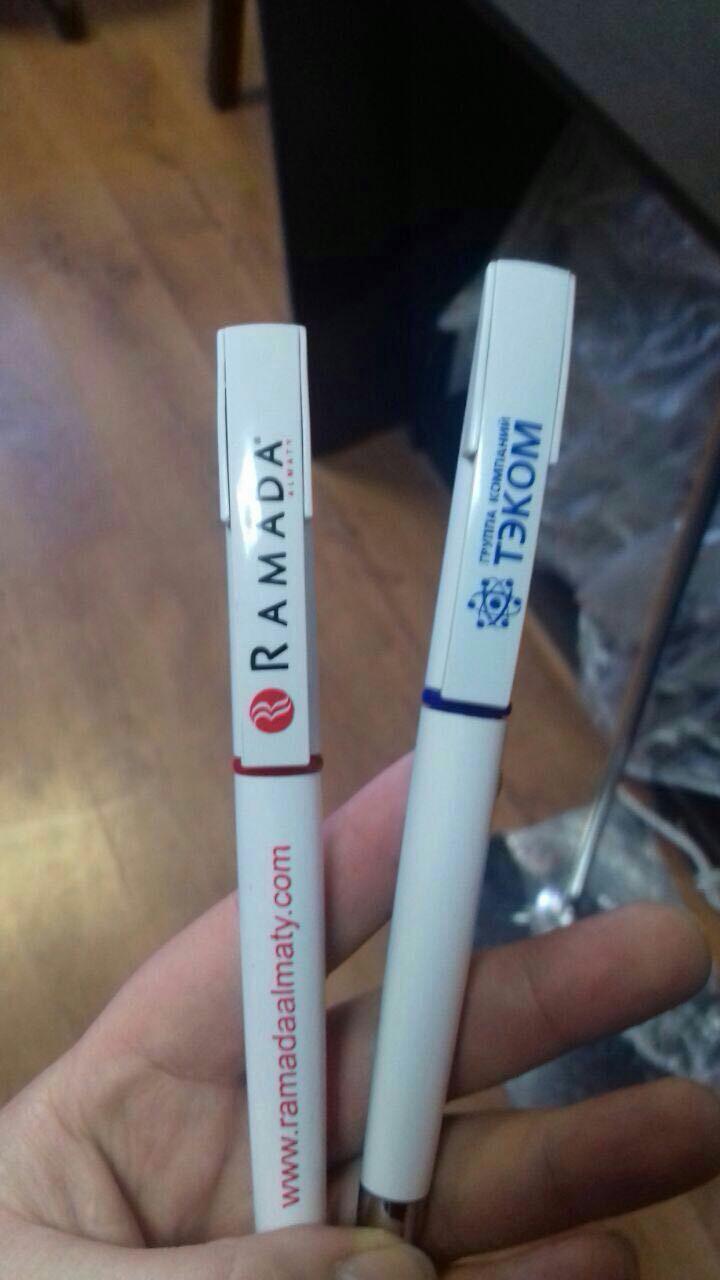 Нанесениие логотипа на ручки