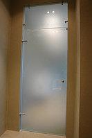 Дверь стеклянная с фрамугой.