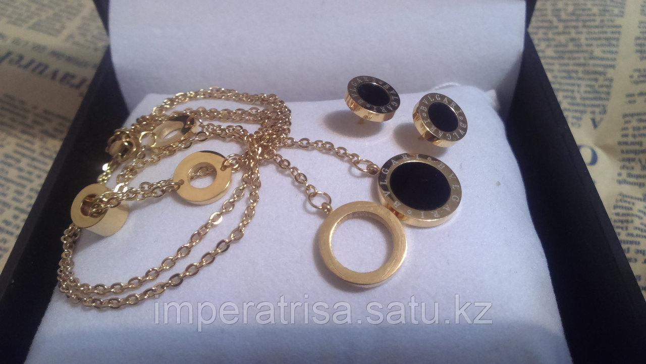Комплект Bvlgari под золото, с черным камнем