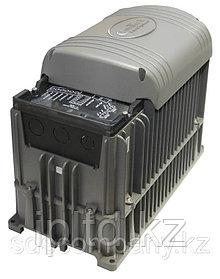 Герметичный инвертор/зарядное устройство 12 В DC / 220 В AC, 1300 Вт, 70 A