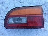 Фонарь в крышку багажника правый Mitsubishi Delica (PD8W)