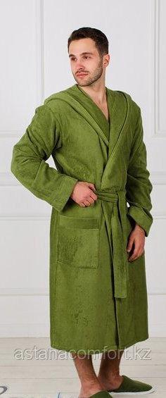 Мужской банный махровый халат с капюшоном.