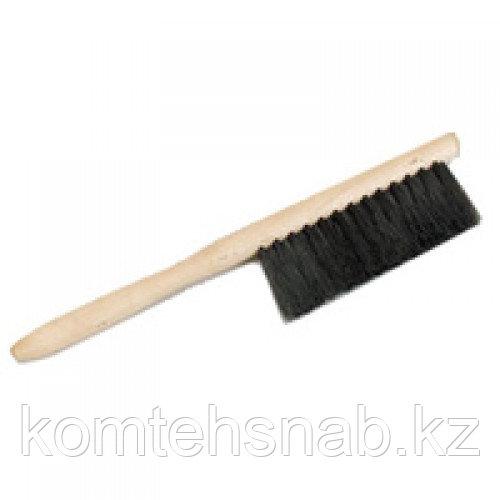 Щетка -сметка с деревянной ручкой