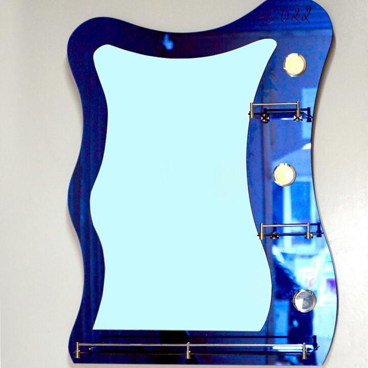 Зеркало настенное для ванной комнаты и душа с полками