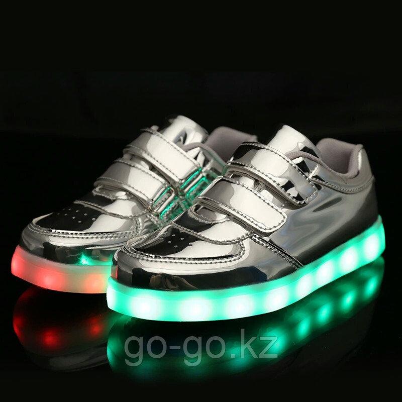 LED Кроссовки детские со светящейся подошвой, серебро низкие - фото 3