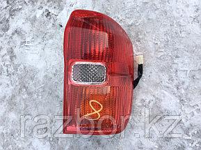 Фонарь задний правый Toyota RAV4 2000-2005