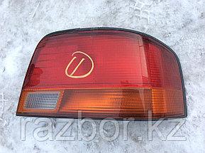 Фонарь задний правый Toyota Vista