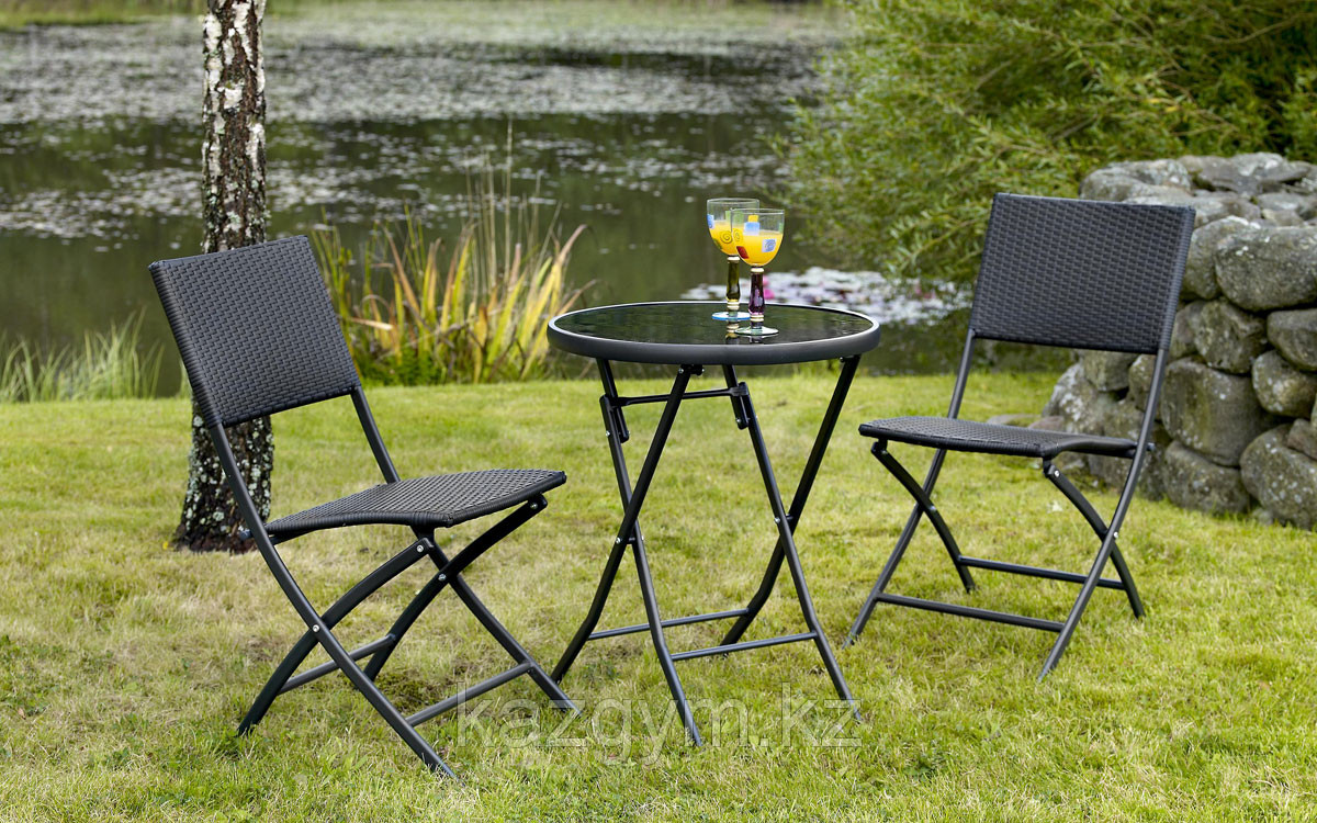 Складной стол и 4 стула  для отдыха на природе