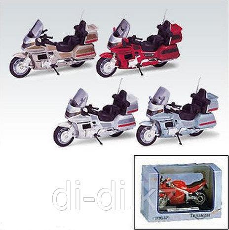 Игрушка модель мотоцикла 1:18 Honda Gold Wing