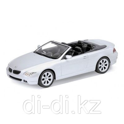 Игрушка модель машины 1:18 BMW 654CI