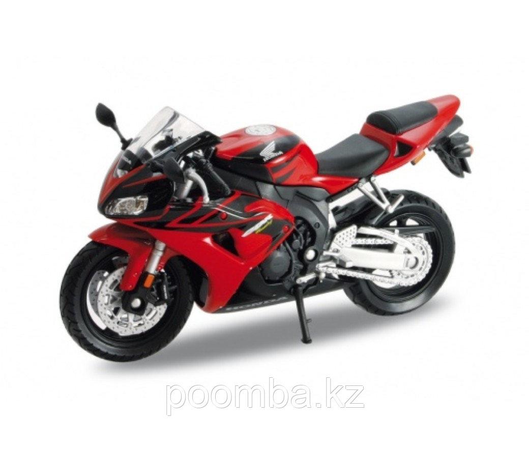 Модель мотоцикла Honda CBR1000RR, 1:18 - фото 1