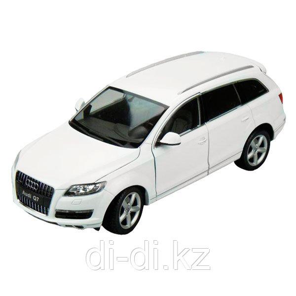 Игрушка модель машины 1:18 Audi Q7