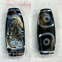 Бусина Богиня гуань-инь с одной стороны и 2 глазая дзи с другой
