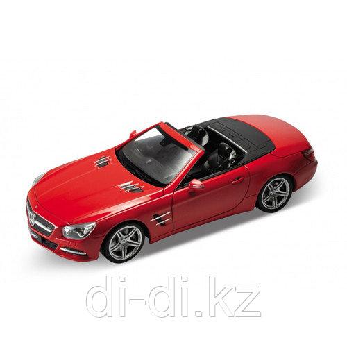 Игрушка модель машины 1:24 Mercedes-Benz SL500