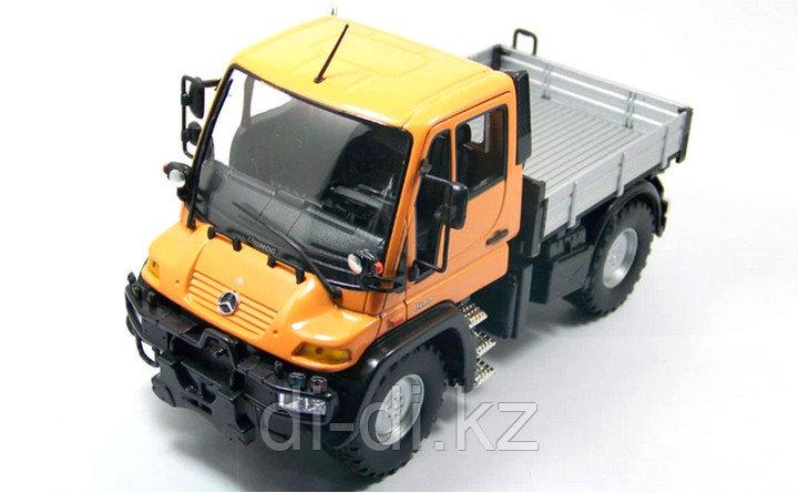 Игрушка модель машины с кузовом 1:32 Mercedes-Benz Unimog U400