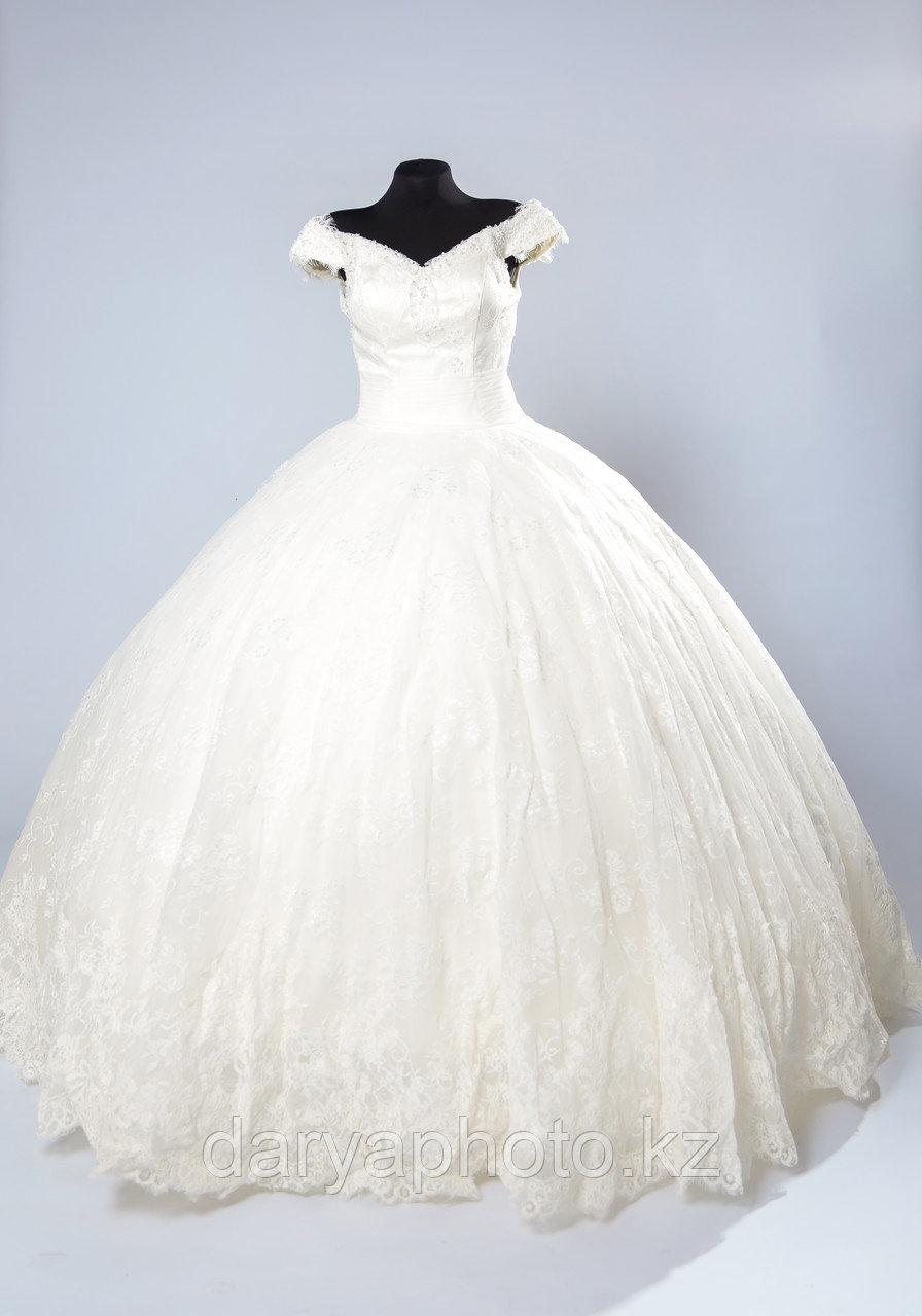 Свадебное платье в со шлейфом - фото 2