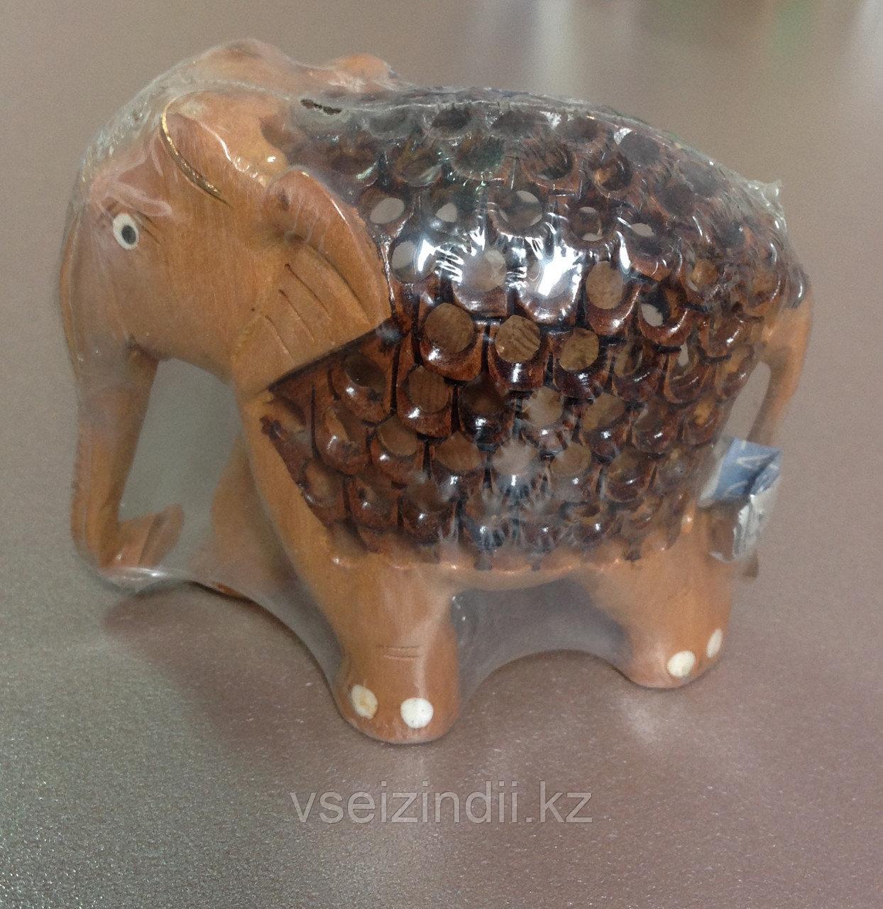 Статуэтка  беременная слониха, маленькая двухцветная деревянная