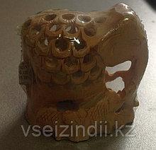 Статуэтка деревянная, беременная слониха с детьми, однотонная