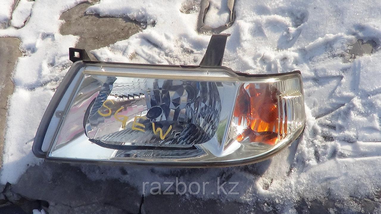 Фара передняя левая Mazda Bongo