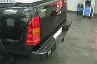 Задний cиловой бампер Toyota HiLux