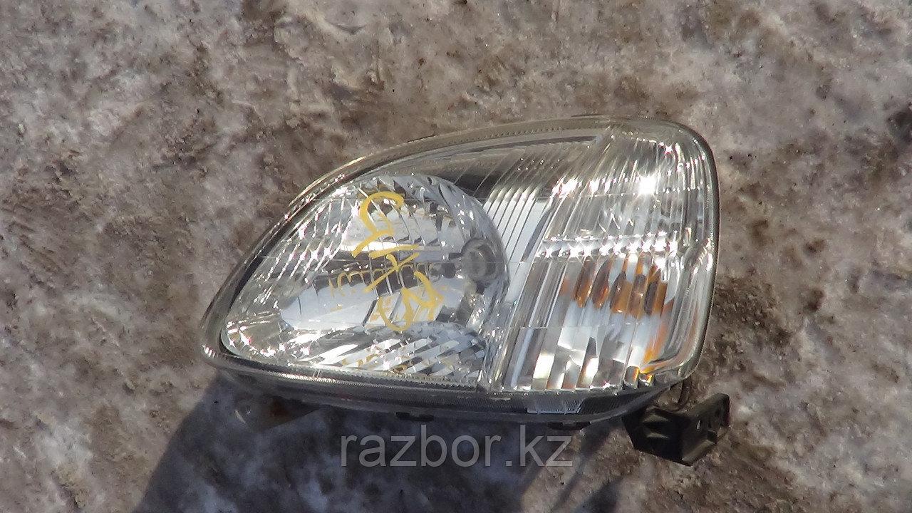 Фара передняя левая Honda Logo