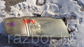 Фара передняя правая Mitsubishi Grandis N84W