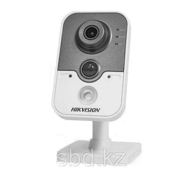 IP Камера видеонаблюдения Hikvision DS-2CD2442FWD-IW