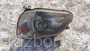 Фара передняя левая Toyota Raum