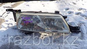 Фара передняя правая Toyota Estima