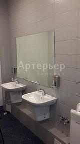 """Установка зеркал в санитарные узлы в объекте Ледовая арена на 12 000 зрительских мест в Алатауском районе """"Almaty Arena"""" 5"""