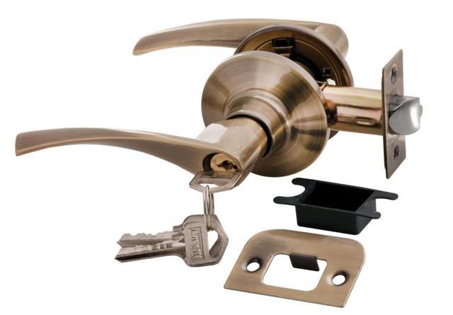 Дверная ручка-кноб с ключ-фиксатором Rucetti HK-02 L AB