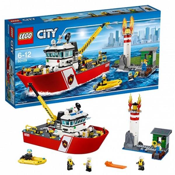 LEGO  Город 60109 Пожарный катер