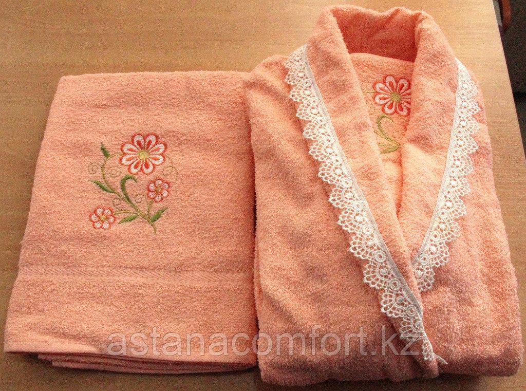 Банный женский набор: халат и два полотенца