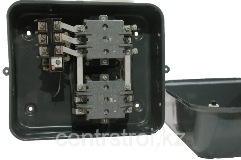 Пускатель ПМА 3310 (40 А, реверсивный, с реле, закрытый)