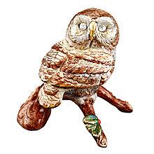 Сова на ветке. Цветная скульптура из керамики, Италия