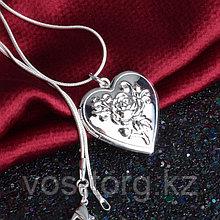 "Медальон на цепочке ""Сердце с розой"""