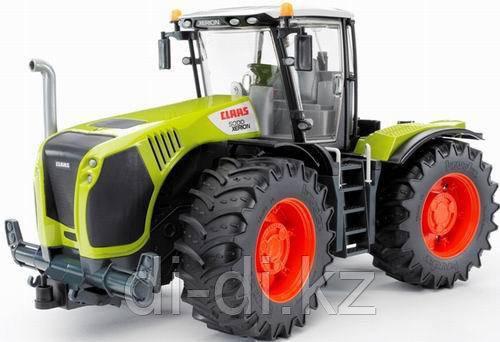 Игрушечный Трактор с поворачивающейся кабиной Claas Xerion 5000 модель 1:16