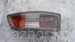 Противотуманка правая Toyota Cresta (X90)