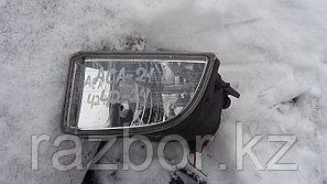 Противотуманка левая Toyota RAV4 ACA21