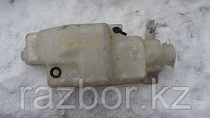 Бачок омывателя лобового стекла Mazda Bongo