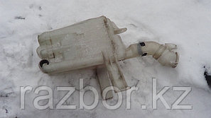 Бачок омывателя лобового стекла Mitsubishi Galant EA1A