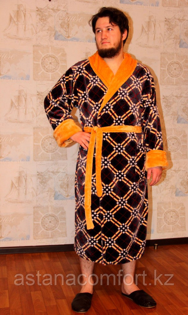 Домашний мужской халат из вельсофта.