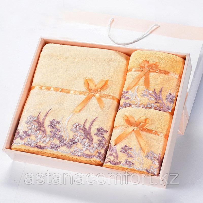 Подарок для женщины - набор бамбуковых полотенец с кружевом