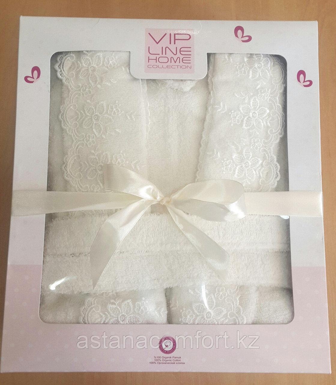 Подарки для женщин. Махровый женский набор. Халат и 2 полотенца с кружевам. Турция.