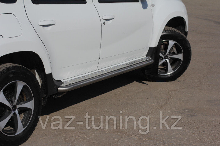 """Пороги """"Эстонец"""" с алюминиевой площадкой (нерж) Renault Duster 2012-"""